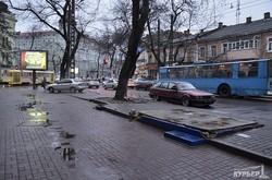 Снос старого остановочного комплекса под установку нового стеклянного (ФОТОФАКТ)