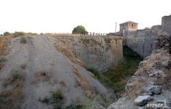 Средневековая крепость в Белгороде-Днестровском может разрушиться (ФОТО)
