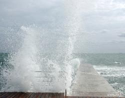 Осень в Одессе начинается с шторма на море (ФОТО)