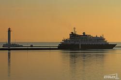 В Одессу совершил визит экспедиционный лайнер Island Sky (ФОТО)