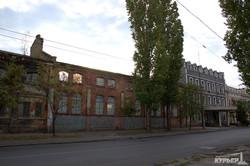Заброшенные корпуса Одесского судоремонтного напоминают Припять (ФОТО)