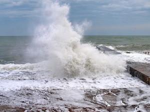 На одесском побережье бушует шторм (ФОТО, ВИДЕО)