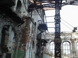 Заброшенный цех одесских паровозных мастерских начали перестраивать в винтажный бизнес-центр в стиле лофт (ФОТО)