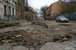 Прогулка по чреву Одессы: Деволановский спуск (ФОТО)