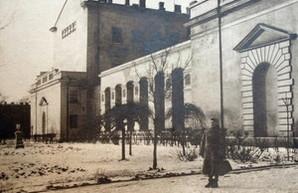 Одесская мэрия намерена вернуть дому Папудова исторический облик и снести цветочную галерею