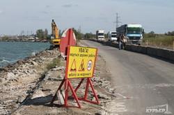 Как проходит ремонт дамбы Хаджибейского лимана (ФОТО)