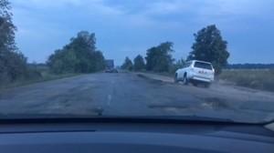 """Омелян нашел в Украине """"дороги-призраки"""""""