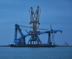 """Плавкран """"Богатырь"""" прошел упешные испытания в порту Черноморска"""