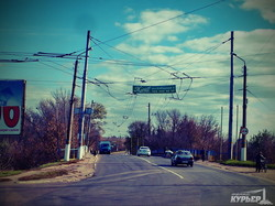 разворованная линия троллейбуса в славянске
