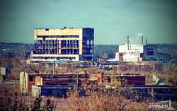 разрушенный и заброшенный еще до боевых действий завод в славянске