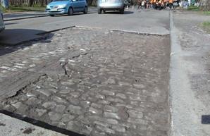 В Одессе во время ремонта Лидерсовского бульвара открылась старая мостовая