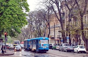 Реконструкция улицы Преображенской в Одессе: транспортники предлагают отделить трамвайные пути от автомобилей