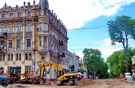 Реконструкция Преображенской в Одессе: готовится основание для трамвайных путей (ФОТО)