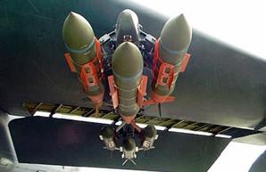 США наращивают выпуск ракет и бомб