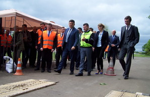 Ремонт дороги Одесса - Киев завтра будет проверять Гройсман