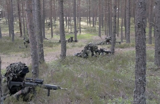 """Аврора-17"" против ""Запад-2017"""