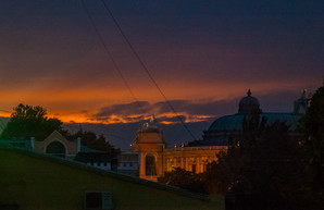 Осеннее небо над вечерней Одессой (ФОТО)