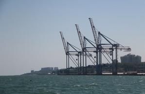 В Одесском порту возобновят строительство волнолома