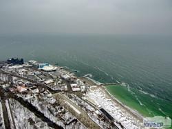 Зимняя Одесса со стометровой высоты: снег, море, высотки и санатории (ФОТО, ВИДЕО)