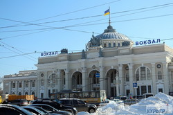 Одесса выдержала снежную стихию и готовится к следующей (ФОТО)