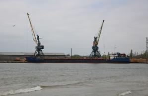 Морской порт вБелгород-Днестровском прекратил работу из-за погоды