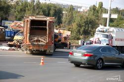 Авария у одесского автовокзала: мусоровоз мог быть неисправен (ФОТО 18+)