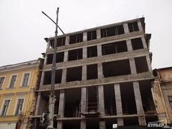 В Одессе строят высотку в десяти метрах от Дерибасовской - под видом реконструкции старого дома (ФОТО)