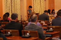 Одесский исполком собрался в старом составе и утвердил проект бюджета на следующий год - на миллиард меньше нынешнего (ФОТО)
