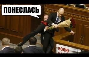 """Верховная Рада не смогла """"вынести"""" Яценюка и переформатировала коалицию (колонка редактора)"""