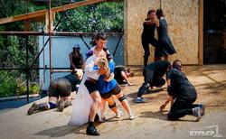 Экстрим-театр в Одессе: актеры на ходулях и репетиция на 10-метровой высоте (ФОТО)
