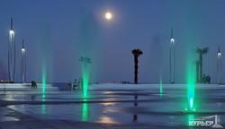 Игра света, воды и красок на одесской набережной (ФОТО)