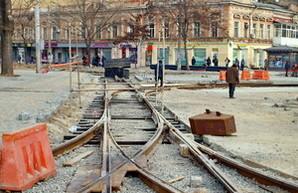 В центре Одессы завершают ремонт площади с трамвайной развязкой (ФОТО)