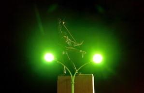 Вечерний Днепр в Киеве: скульптуры, метро и величественная река (ФОТО)