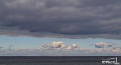 На одесском побережье начинается весна: фантастическое небо, последние льдины и морские котики (ФОТО, ВИДЕО)