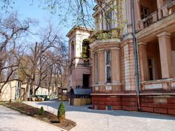 В одесском санатории Лермонтовский возобновилось незаконное строительство ярмарки