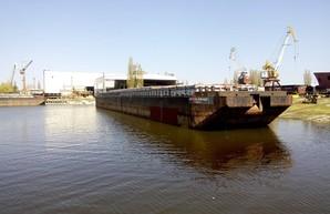 Завод на юге Одесской области отремонтировал баржу, построенную по ноу-хау технологии