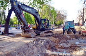 Лунные пейзажи центра Одессы: как ремонтируют улицу Преображенскую (ФОТО)