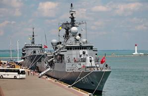 В Одессу впервые за 20 лет зашла подводная лодка, турецкие и румынские корабли, американская армада на подходе (ФОТО)