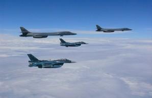 Тучи сгущаются над КНДР… а над тучами парят B-1B