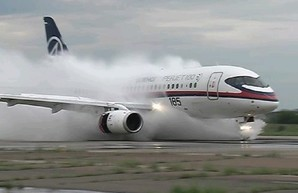 Sukhoi Superjet 100 идёт с поклоном к Минфину США