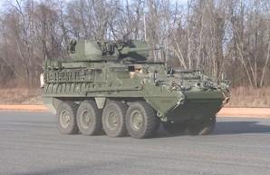 Зубастые БТР Stryker отправляются на границу с Россией