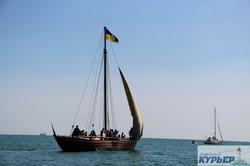 Яхты и казацкая чайка: как в море под Одессой отметили День Независимости (ФОТО, ВИДЕО)