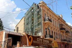 Строительство у Дома-стены остановлено благодаря угрозам объединившихся одесских активистов (ФОТО)