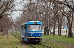 На время реконструкции рельсов у Пересыпского моста трамвай на поселке Котовского остается