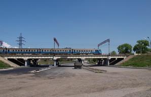 """В Одессе около путепровода """"Поездной"""" вводят одностороннее движение"""