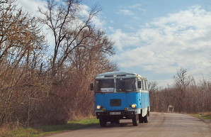 С сегодняшнего дня весь транспорт на дорогах Одессы и области должен ехать с включенными ходовыми огнями