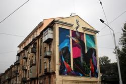 На одесской Пересыпи появился огромный мурал: Ленина и рекламу сменили на баклана (ФОТО)