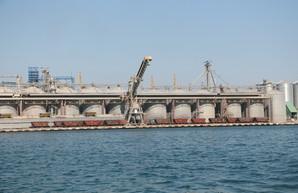 В порту под Одессой закончили ремонт причала для балкеров