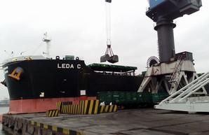 В порт под Одессой снова привезли 80 тысяч тонн южноафриканского угля
