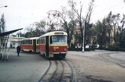 """Конечная трамвая на Куликовом поле, 1976 год, на втором плане видно сильно перестроенное здание """"вокзального"""" павильона, фото Ханс Орлеманс"""